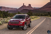 http://www.voiturepourlui.com/images/Jeep/Cherokee-2014/Exterieur/Jeep_Cherokee_2014_042.jpg