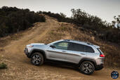 http://www.voiturepourlui.com/images/Jeep/Cherokee-2014/Exterieur/Jeep_Cherokee_2014_056_gris_profil.jpg
