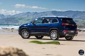 http://www.voiturepourlui.com/images/Jeep/Cherokee-2014/Exterieur/Jeep_Cherokee_2014_074_bleu.jpg