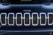 http://www.voiturepourlui.com/images/Jeep/Cherokee-2014/Exterieur/Jeep_Cherokee_2014_080_calandre.jpg