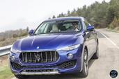 http://www.voiturepourlui.com/images/Maserati/Levante-2017/Exterieur/Maserati_Levante_2017_005_bleu_avant_face.jpg