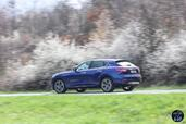 http://www.voiturepourlui.com/images/Maserati/Levante-2017/Exterieur/Maserati_Levante_2017_006_bleu_arriere_profil.jpg