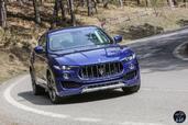 http://www.voiturepourlui.com/images/Maserati/Levante-2017/Exterieur/Maserati_Levante_2017_010_bleu_avant_face.jpg