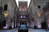 http://www.voiturepourlui.com/images/Maserati/Levante-2017/Exterieur/Maserati_Levante_2017_030_noir_avant.jpg