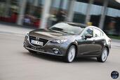 http://www.voiturepourlui.com/images/Mazda/3-Berline/Exterieur/Mazda_3_Berline_009_gris.jpg