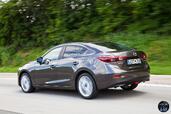 http://www.voiturepourlui.com/images/Mazda/3-Berline/Exterieur/Mazda_3_Berline_017.jpg