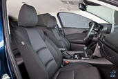Photo Mazda 3-Berline 2015 Mazda 3 Berline http://www.voiturepourlui.com/images/Mazda/3-Berline/Interieur/Mazda_3_Berline_004_interieur.jpg