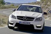 http://www.voiturepourlui.com/images/Mercedes/C63-AMG-2011/Exterieur/Mercedes_C63_AMG_2011_007.jpg