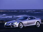 http://www.voiturepourlui.com/images/Mercedes/SLR/Exterieur/Mercedes_SLR_001.jpg