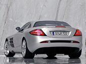 http://www.voiturepourlui.com/images/Mercedes/SLR/Exterieur/Mercedes_SLR_011.jpg