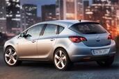 http://www.voiturepourlui.com/images/Opel/Astra-2010/Exterieur/Opel_Astra_2010_003.jpg