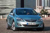 http://www.voiturepourlui.com/images/Opel/Astra-2010/Exterieur/Opel_Astra_2010_013.jpg