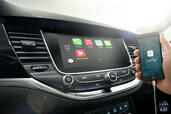 Photo Opel Astra-2015 2016 Opel Astra 2015 http://www.voiturepourlui.com/images/Opel/Astra-2015/Interieur/Opel_Astra_2015_010_carplay.jpg