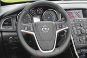 Photo Opel Cascada-Cosmo-Pack-2014 2014 Opel Cascada Cosmo Pack 2014 http://www.voiturepourlui.com/images/Opel/Cascada-Cosmo-Pack-2014/Interieur/Opel_Cascada_Cosmo_Pack_2014_010_Volant.jpg