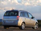 http://www.voiturepourlui.com/images/Opel/Zafira/Exterieur/Opel_Zafira_010.jpg