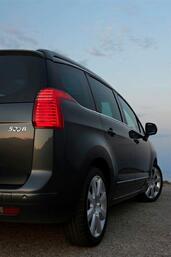 http://www.voiturepourlui.com/images/Peugeot/5008/Exterieur/Peugeot_5008_051.jpg