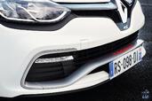 http://www.voiturepourlui.com/images/Renault/Clio-RS-220-Trophy-EDC/Exterieur/Renault_Clio_RS_220_Trophy_EDC_009_calandre.jpg