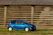 http://www.voiturepourlui.com/images/Renault/Twingo-II/Exterieur/Renault_Twingo_II_014.jpg