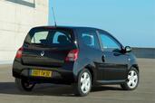 http://www.voiturepourlui.com/images/Renault/Twingo-II/Exterieur/Renault_Twingo_II_017.jpg