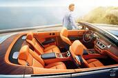 Photo Rolls-Royce Dawn-2017 2017 Rolls-Royce Dawn 2017 http://www.voiturepourlui.com/images/Rolls-Royce/Dawn-2017/Interieur/Rolls_Royce_Dawn_2017_009_orange_bleu_bois_interieur_siege_arriere.jpg