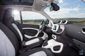 Photo Smart ForTwo-2015 2015 Smart ForTwo 2015 http://www.voiturepourlui.com/images/Smart/ForTwo-2015/Interieur/Smart_ForTwo_2015_005_interieur_blanc.jpg