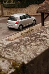 http://www.voiturepourlui.com/images/Suzuki/Swift-in-the-City/Exterieur/Suzuki_Swift_in_the_City_008.jpg