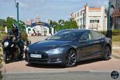http://www.voiturepourlui.com/images/Tesla/Model-S-P85D/Exterieur/Tesla_Model_S_P85D_007_Disney.jpg
