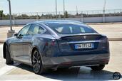 http://www.voiturepourlui.com/images/Tesla/Model-S-P85D/Exterieur/Tesla_Model_S_P85D_014_Arriere.jpg