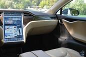 Model-S-P85D 2015 photos - GT Tesla Model S P85D http://www.voiturepourlui.com/images/Tesla/Model-S-P85D/Interieur/Tesla_Model_S_P85D_005.jpg