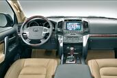 Image Toyota Land-Cruiser-200 - Voiture Pour Lui Toyota Land Cruiser 200 http://www.voiturepourlui.com/images/Toyota/Land-Cruiser-200/Interieur/Toyota_Land_Cruiser_200_500.jpg