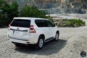 http://www.voiturepourlui.com/images/Toyota/Land-Cruiser-2014/Exterieur/Toyota_Land_Cruiser_2014_012_arriere.jpg