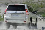http://www.voiturepourlui.com/images/Toyota/Land-Cruiser-2014/Exterieur/Toyota_Land_Cruiser_2014_015_arriere.jpg