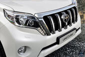 http://www.voiturepourlui.com/images/Toyota/Land-Cruiser-2014/Exterieur/Toyota_Land_Cruiser_2014_029_calandre.jpg