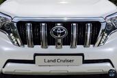 http://www.voiturepourlui.com/images/Toyota/Land-Cruiser-2014/Exterieur/Toyota_Land_Cruiser_2014_030_calandre.jpg