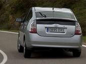 http://www.voiturepourlui.com/images/Toyota/Prius/Exterieur/Toyota_Prius_005.jpg