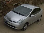 http://www.voiturepourlui.com/images/Toyota/Prius/Exterieur/Toyota_Prius_011.jpg