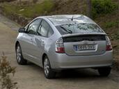 http://www.voiturepourlui.com/images/Toyota/Prius/Exterieur/Toyota_Prius_013.jpg