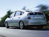 http://www.voiturepourlui.com/images/Toyota/Prius/Exterieur/Toyota_Prius_016.jpg
