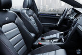 Photo Volkswagen Golf-R-SW 2015 Volkswagen Golf R SW http://www.voiturepourlui.com/images/Volkswagen/Golf-R-SW/Interieur/Volkswagen_Golf_R_SW_004_interieur.jpg