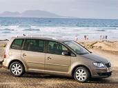 http://www.voiturepourlui.com/images/Volkswagen/Touran/Exterieur/Volkswagen_Touran_002.jpg