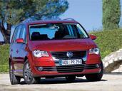 http://www.voiturepourlui.com/images/Volkswagen/Touran/Exterieur/Volkswagen_Touran_006.jpg
