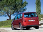 http://www.voiturepourlui.com/images/Volkswagen/Touran/Exterieur/Volkswagen_Touran_007.jpg