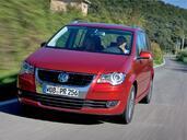 http://www.voiturepourlui.com/images/Volkswagen/Touran/Exterieur/Volkswagen_Touran_008.jpg