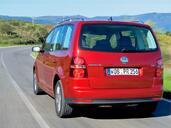 http://www.voiturepourlui.com/images/Volkswagen/Touran/Exterieur/Volkswagen_Touran_009.jpg