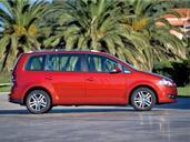 http://www.voiturepourlui.com/images/Volkswagen/Touran/Exterieur/Volkswagen_Touran_010.jpg