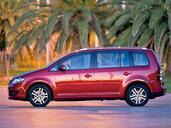 http://www.voiturepourlui.com/images/Volkswagen/Touran/Exterieur/Volkswagen_Touran_011.jpg