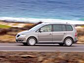 http://www.voiturepourlui.com/images/Volkswagen/Touran/Exterieur/Volkswagen_Touran_013.jpg
