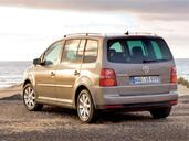 http://www.voiturepourlui.com/images/Volkswagen/Touran/Exterieur/Volkswagen_Touran_015.jpg