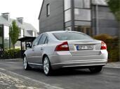 http://www.voiturepourlui.com/images/Volvo/S80/Exterieur/Volvo_S80_009.jpg