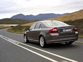 http://www.voiturepourlui.com/images/Volvo/S80/Exterieur/Volvo_S80_013.jpg